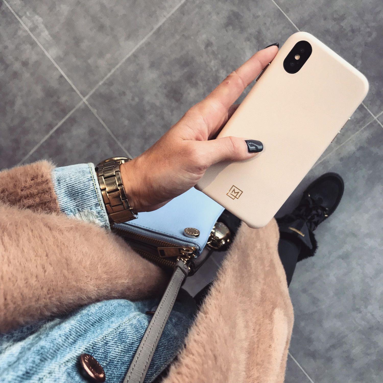 spigen la manon iphone xs case